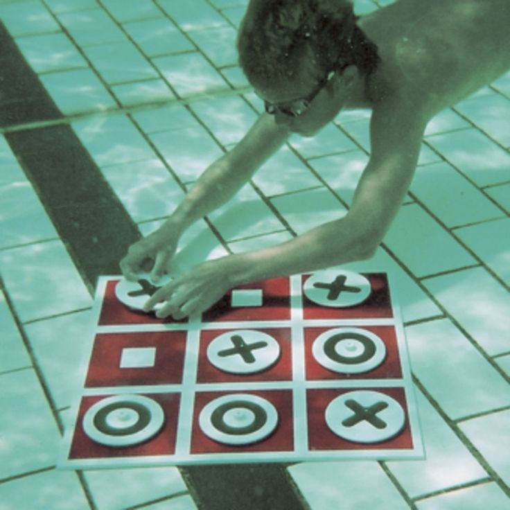 NOUGHTS & CROSSES Swimming Pool Game