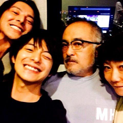 松尾さん宅で楽しんできましたよ  やはり楽しかったー  行った瞬間に鼻ワサビをやらされたのは参ったけど笑  そーいうリア...