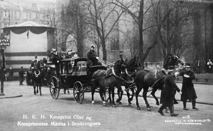 Bryllup Kronprins Olav og Prinsesse Märtha 1929 i brudevognen Utg Küenholdt