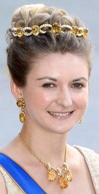 Citrine/Topaz parure: tiara, necklace, & earrings (Stéphanie, Hereditary Grand Duchess of Luxembourg)