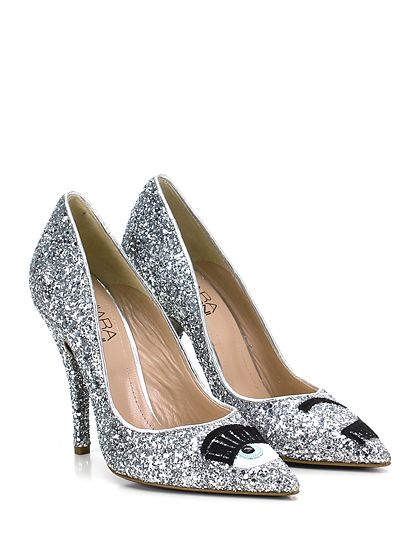 Chiara Ferragni - Decolletè - Donna - Decolletè in glitter e interno in pelle con decorazioni su puntale (diverse da scarpa destra a sinistra) e suola in cuoio. Tacco 110 glitterato. - ARGENTO