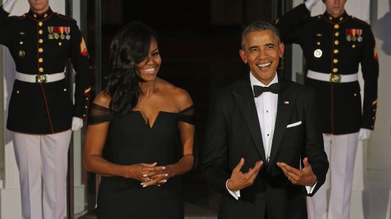 9/25/15 First Lady Michelle Obama shuts down the Internet in Vera Wang dress for China Official State dinner ...     Via TheGrio:   WASHINGTON (AP) — First Lady Michelle Obama chose a dress by a Chinese-American designer for Friday's White House dinner for Chinese President Xi Jinping & the First Lady of China. The day before, the First Family spent part of the day with Pope Frances.
