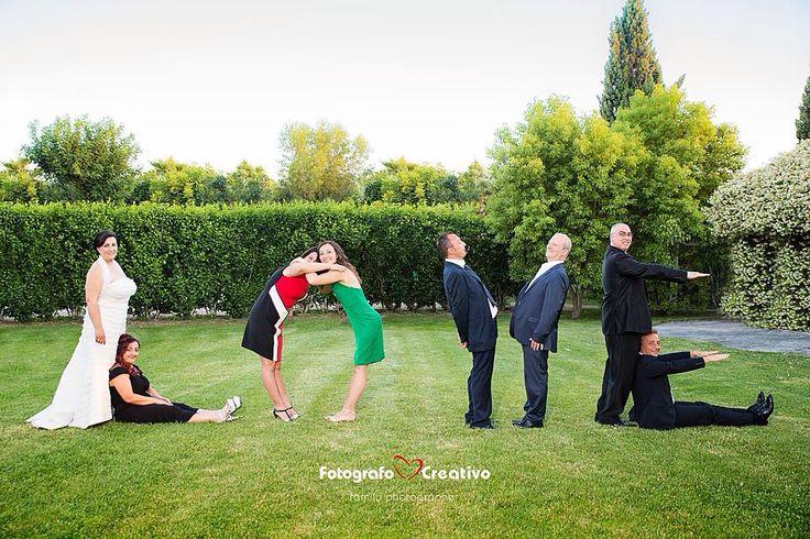 Un matrimonio, una coppia di sposi, gli invitati al matrimonio, e poi.... Love, love, love