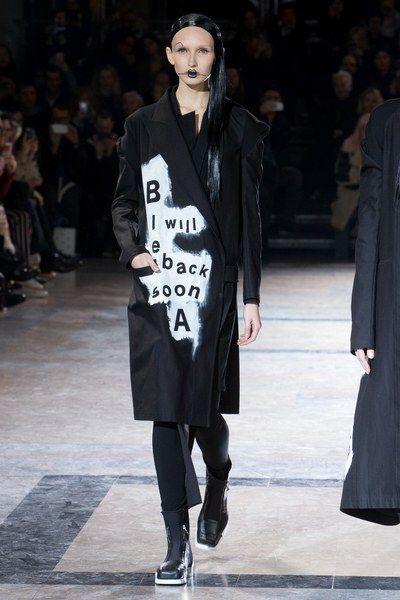 Yohji Yamamoto Fall 2016 Ready-to-Wear Collection Photos - Vogue