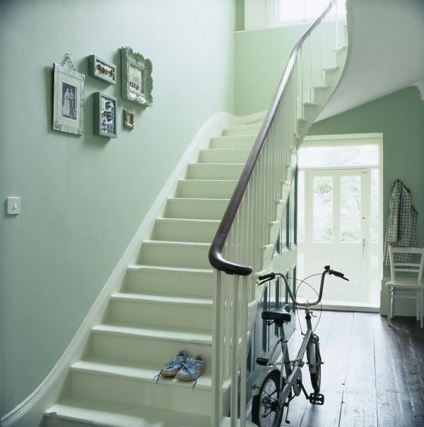 Les 25 meilleures id es de la cat gorie levis peinture sur pinterest lampes au sol cools la for Idee peinture entree couloir