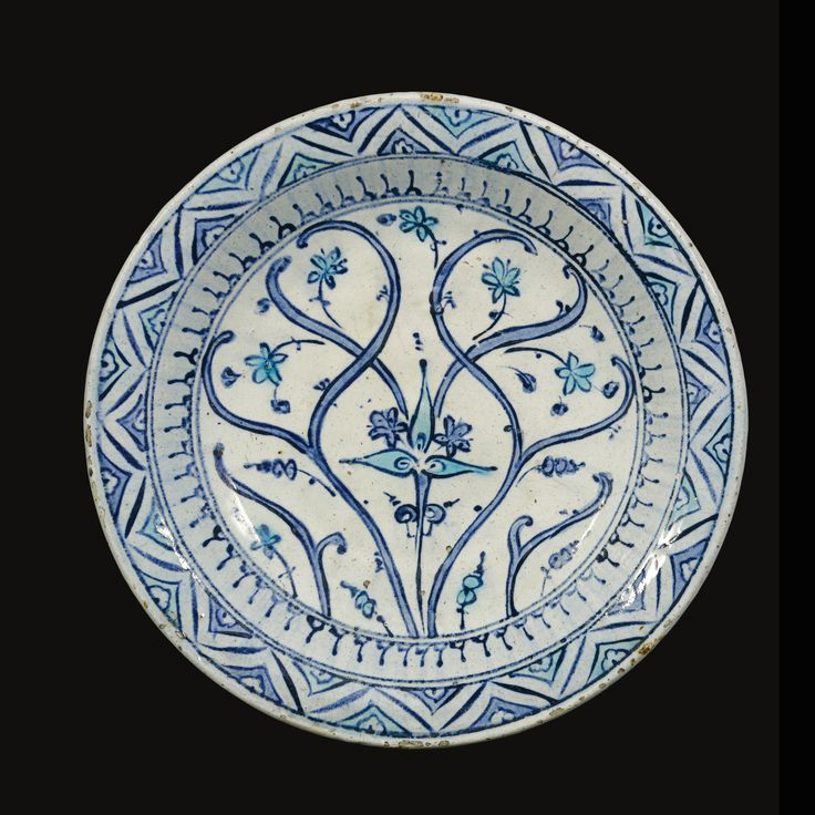 A large blue and turquoise Iznik dish, Turkey, circa 1590 | Lot | Sotheby's