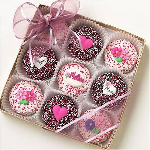 Caja de 9 chocooreos decoradas con sprinkles flores y corazones
