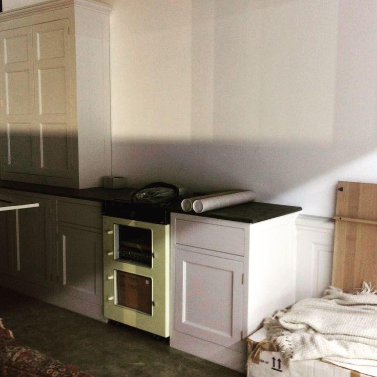 Montaggio nuova cucina stile country Monticello. Stile inglese, stile americano, stile coastal coloniale, bespoke
