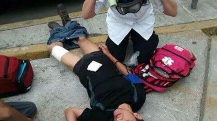 Uno de los jóvenes heridos. Foto: Especial
