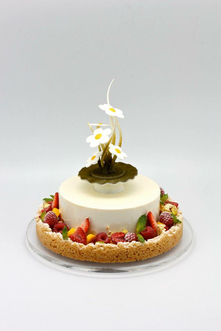 Camomile,vanilla and fresh fruit cake.