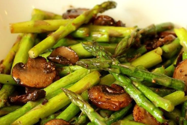 asparagi e funghi al salto