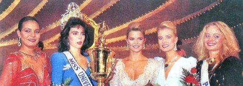 Barbara Palacios Teyde, from Venezuela, minutes after being crowned Miss Universe 1986, she's flanked by the 4 runners-up from Colombia, USA, Finland and Poland.
