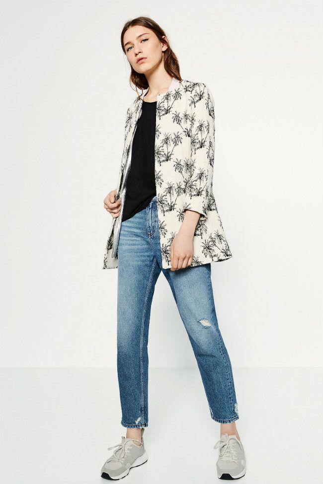 El negro, el blanco, el azul y el print geométrico son los colores más top de la colección de Zara primavera verano 2016  #Modalia #Zara #Tendenicia | http://www.modalia.es/marcas/zara/11092-coleccion-zara-primavera-verano-2016-estampados.html