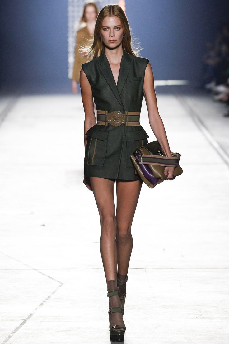 """Versace Spring 2016 #MFW For Spring 2016, Donatella Versace was inspired by the notion of an urban warrior, """"A woman – not a girl"""" who is """"fearless, a fighter, nothing gets her down""""."""