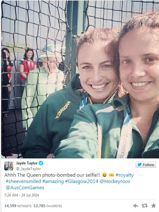 15 of the Most Hilarious Photobombs of 2014: 15 of the Most Hilarious Photobombs of 2014