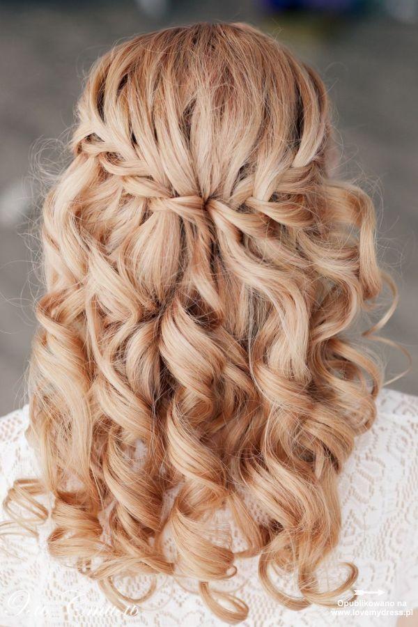 Znalezione obrazy dla zapytania fryzury ślubne rozpuszczone włosy z warkoczem