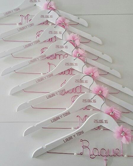 Perchas personalizadas para damas de honor