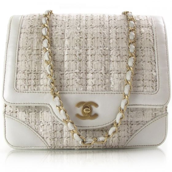 Vintage coco chanel purse commit