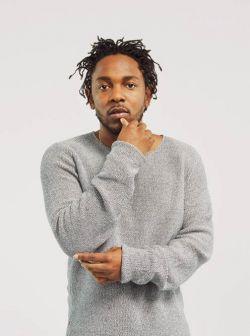 """Pela terceira semana, """"DAMN."""" de Kendrick Lamar fica no topo da parada americana de álbuns #Disco, #Dj, #EdSheeran, #Estreia, #Foto, #KendrickLamar, #Lançamento, #M, #Mundo, #Noticias, #Novidade, #Novo, #QUem, #Sucesso, #Top10 http://popzone.tv/2017/05/pela-terceira-semana-damn-de-kendrick-lamar-fica-no-topo-da-parada-americana-de-albuns.html"""