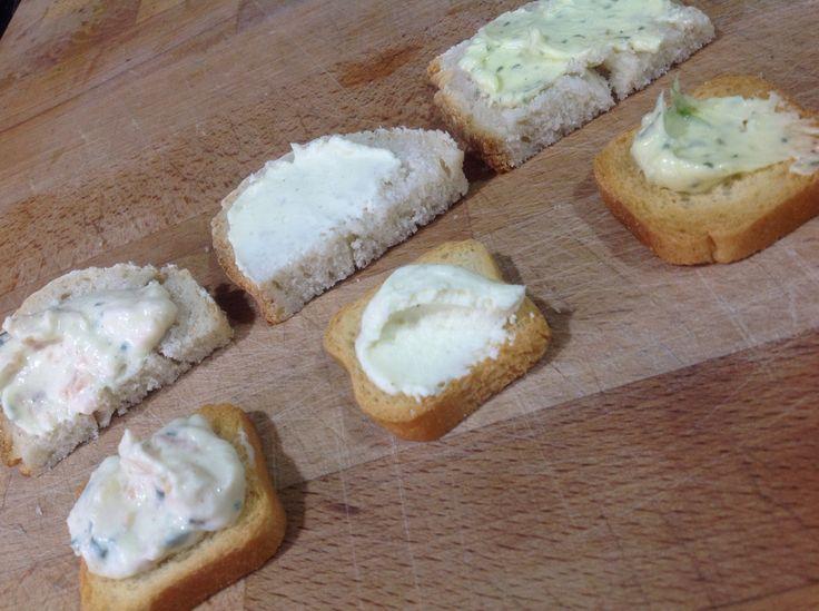 Patê de salmão Queijo, tipo Philadelfia  Manteiga de alho