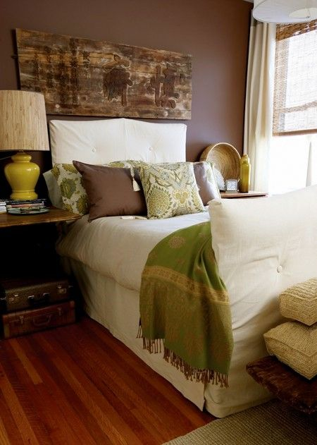 Love rustic wood, ivory, greens. Is the dark wall essential to the success of this look? #inspiration #bedroom