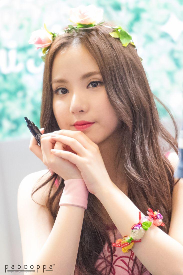 [#은하] 150801 釜山サイン会 RT pabo_oppa: 150801 GFRIEND 여자친구 사인회 은하