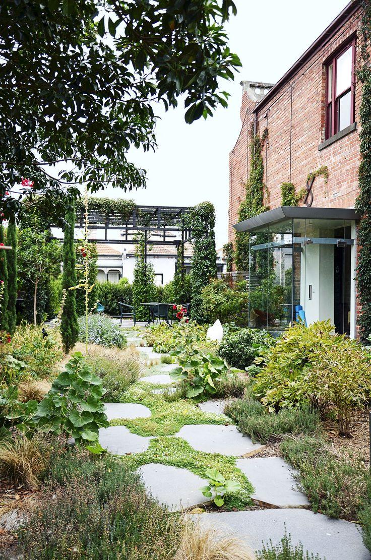 Private garden oasis of inner-city Melbourne terrace. Photography: Priya Schuback and Sarah Appleford | Story: Australian House & Garden