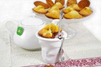 Ricetta Madeleine bicolore con succo e bacche di goji