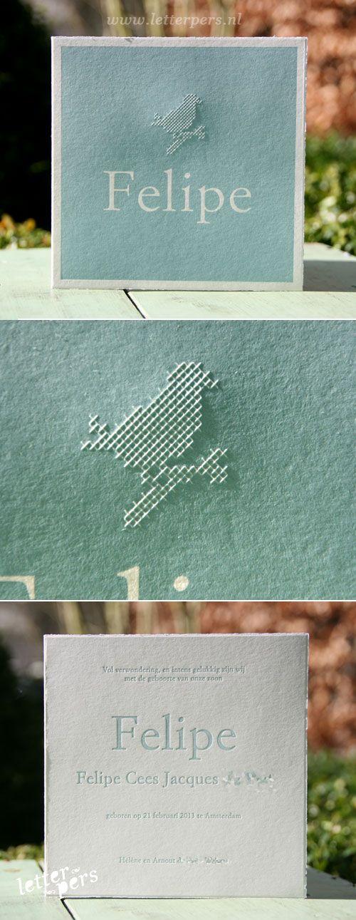 letterpers_letterpress_geboortekaartje_felipe_vogel_borduren_geborduurd_preeg_lichtblauw