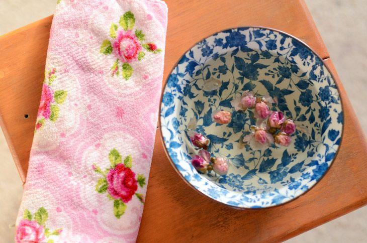 bain vapeur eau de rose http://www.clonesnclowns.com/fr/2013/01/09/bain-vapeur-a-leau-de-rose/