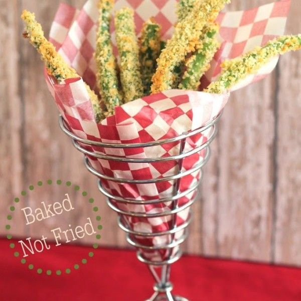 """A few weeks ago I saw a recipe for Green Bean Fries on Sweeties Freebies and I was intrigued. I love fresh green beans, but I'm always looking for new ways to serve them. I decided to give them my own, healthier spin, and I created my Green Bean Garlic """"Fries."""" They are so delicious! They have a..."""