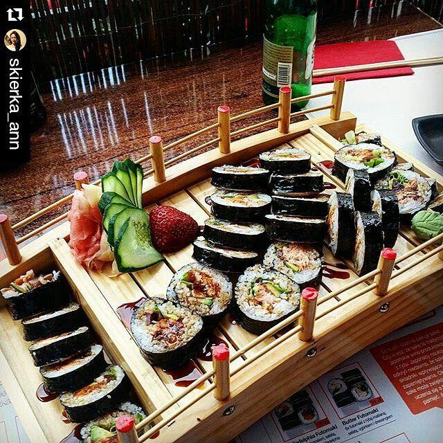 Dziękujemy za wizytę  #Repost @skierka_ann łódeczka smakowitości ☺ #sushi #77sushi #gdańsk #tricity #starówka #motława #homecity #friends #family #tasty #healthy #omomom