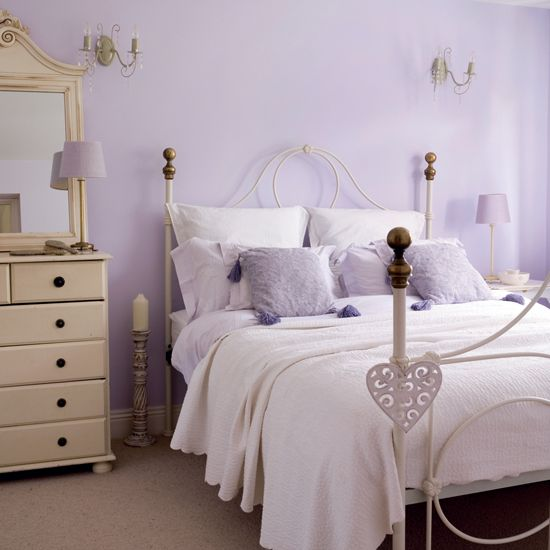 pictures of bedrooms with lilac walls | Luxury-bedroom-interior- in-light-purple-color