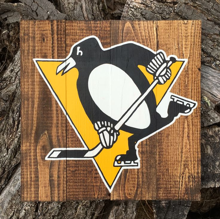 Pittsburgh Penguins logo on pallet wood #byhand #freehand #hockey #hockeyseason #homedecor #pallet #palletsign #palletsigns #palletproject #penguins #pittsburgh #pittsburghpenguins #rustic #rusticdecor #rusticsign #signage #woodsign #woodsigns #woodensign #woodensigns #woodendecor