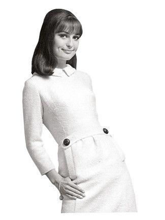 burda style, Schnittmuster - Kleid im Stil der 60er mit Bubikragen, Zierriegel und Leistentaschen in knieumspielender Länge. Nr. 104 aus 01-2013