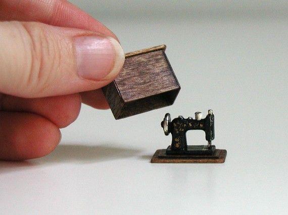 SALE - Sewing machine, half inch scale miniature (1/24 scale), black and gold