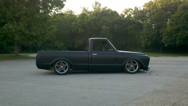 Airbags For Truck >> Like the Flat Black and air bags | Ideas for the c10 project | Pinterest | Chevy, Chevy c10 and ...