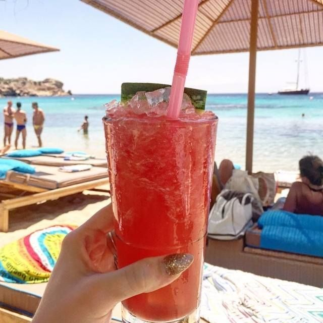 #Warm days demand your #favorite #flavor to be really #iced...   #strawberry #cool #cocktail #relax #chill #time #crazy #summertime #summer2015 #love #beachlife #kaluabeach #paragabeach #Greece #island #mykonos #joinus #kaluamykonos