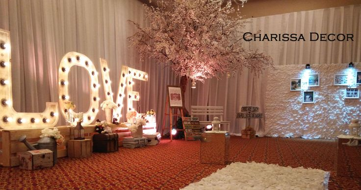 This is incredible! Unique work by  Charissa Event & Wedding Decoration http://www.bridestory.com/charissa-event-wedding-decoration/projects/tamya-rhama