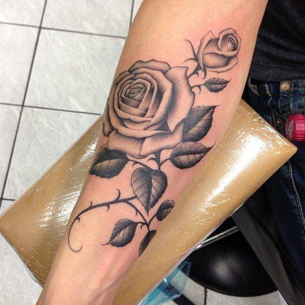 Cool tattoo rose beautiful tattoos pinterest for Cool rose tattoos