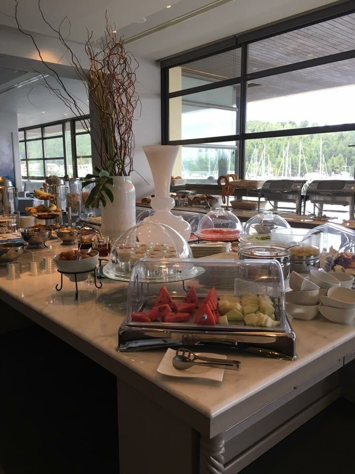 Delicious breakfast at Crystal's restaurant with @portocarras marina view!
