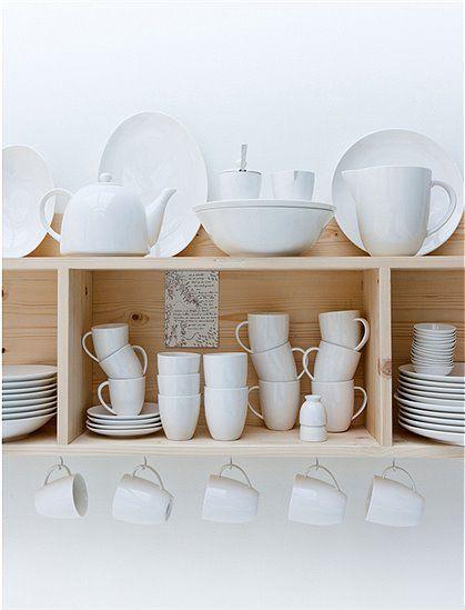 Schöner Becher mit Henkel in elfenbein/weiß. Der Becher ist Spülmaschinen und Mikrowellen geeignet. Weitere schöne Produkte von VTWONEN zum Thema Geschirr finden Sie hier. Stöbern Sie in unserer Kategorie Küche und lassen Sie sich inspirieren.