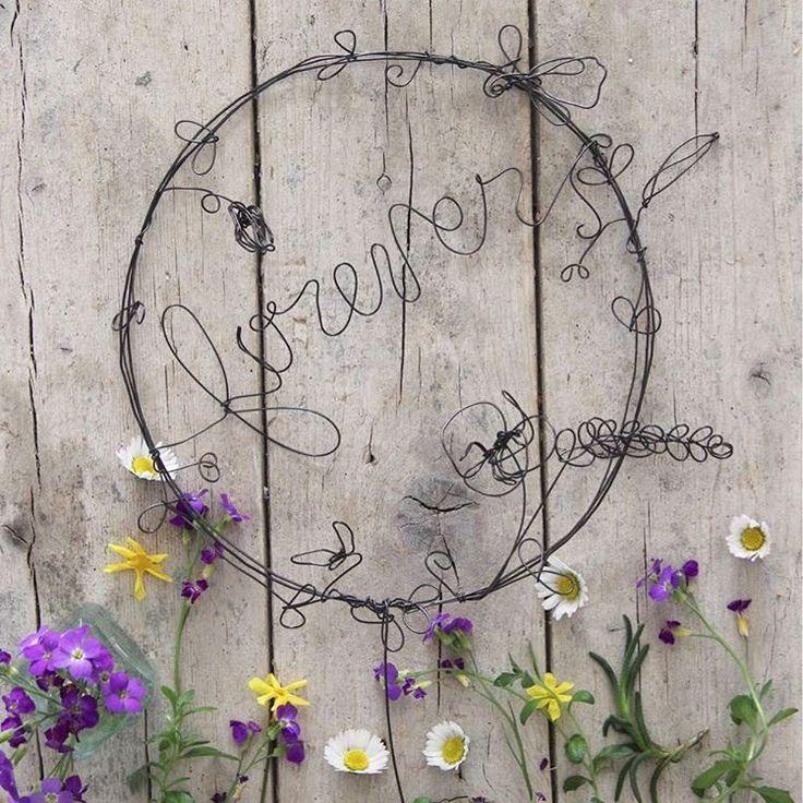 """""""Mi piace"""": 163, commenti: 6 - Daniela Corti•Wire & Textile (@filidipoesia) su Instagram: """"Buon pomeriggio! Su Stories una sorpresa per voi 💝 #botanicalpoems"""""""