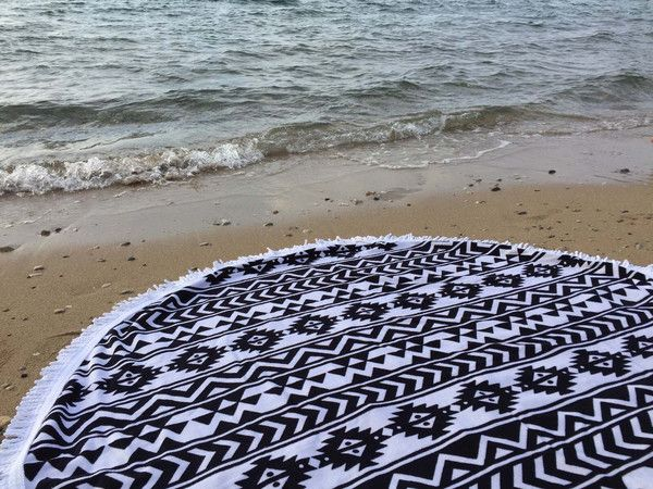 Round Beach Towel 'AZTEC'   Serviette Ronde 'AZTEC' 150 cm