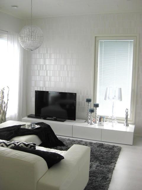 Black Home - White Home