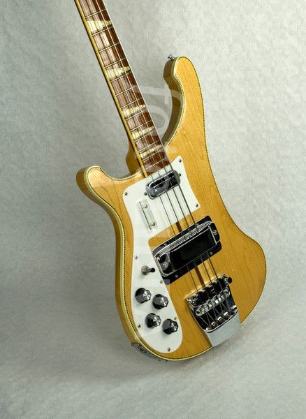 Lefty Rickbacker bass
