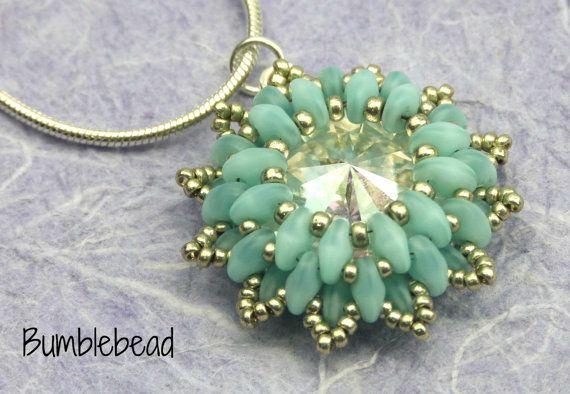 Corona flor colgante un Tutorial Beadweaving por BumblebeadCrafts