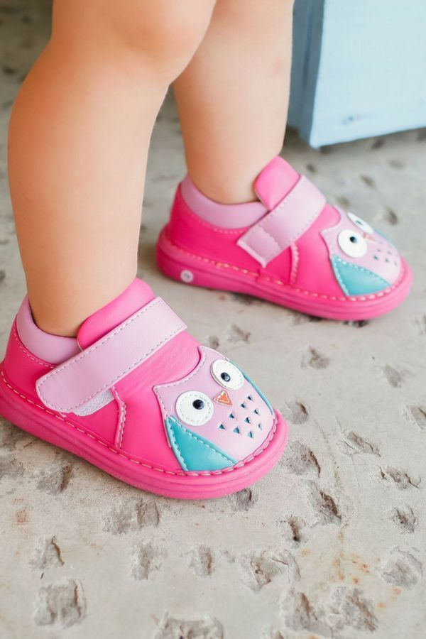 Girl/'s Hot Pink with White Polka Dots Leather Toddler Squeaky Shoes Sizes 1 to 7