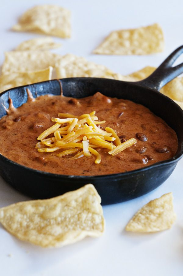 Bush's Chili Bean Cheese Queso from www.dineanddish.net @Kristen @DineandDish