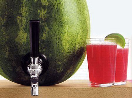 Surtidor de Sandia, ideal para el verano: Recipe, Summer Drinks, Summer Parties, Watermelon Cocktails, Watermelon Drinks, Taps, Summer Bbq, Parties Ideas, Watermelon Keg